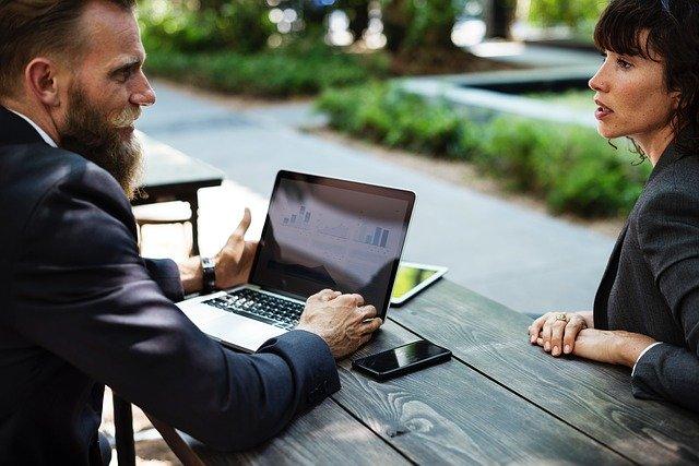 über eigene services mit blog geld verdienen